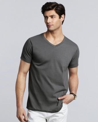T-shirt uomo con scollatura a V Gildan Softstyle®